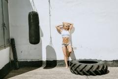 Fitnessfotografie-Frau-vor-dem-Crosstraining