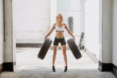 Fitnessfotografie-crosstraining-autoreifen-stehend