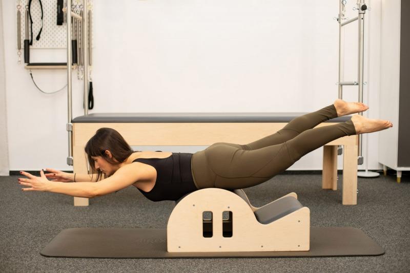 Businessportrait | Fitnesstrainerin Valeria Perrelli | Ora Pilates Studio