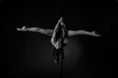 Sportfotografie-poledance-spagat